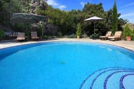 Pool-2-600X400